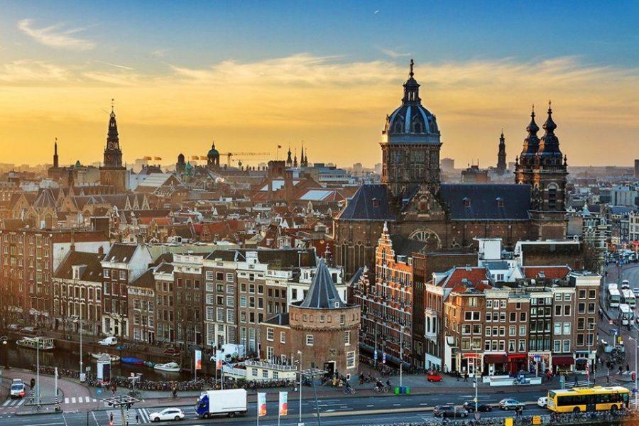 Front end Developer (React) – Amsterdam, The Netherlands